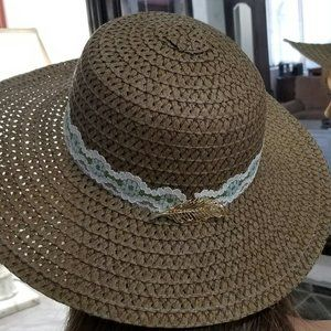 COUNTRY CHIC FLOPPY HAT